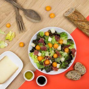salade-melon-fromage-de-brebis-et-jambon-de-Bayonne